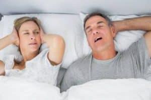 4 วิธีแก้นอนกรน และภาวะหยุดหายใจขณะหลับ