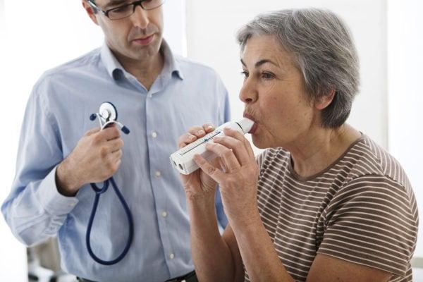 การตรวจด้วยเครื่อง Spirometer