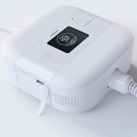 DreamStation Go Auto CPAP touch screen with tube